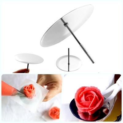 Гвоздик  для изготовления кремовых цветов (диаметр 3 см)